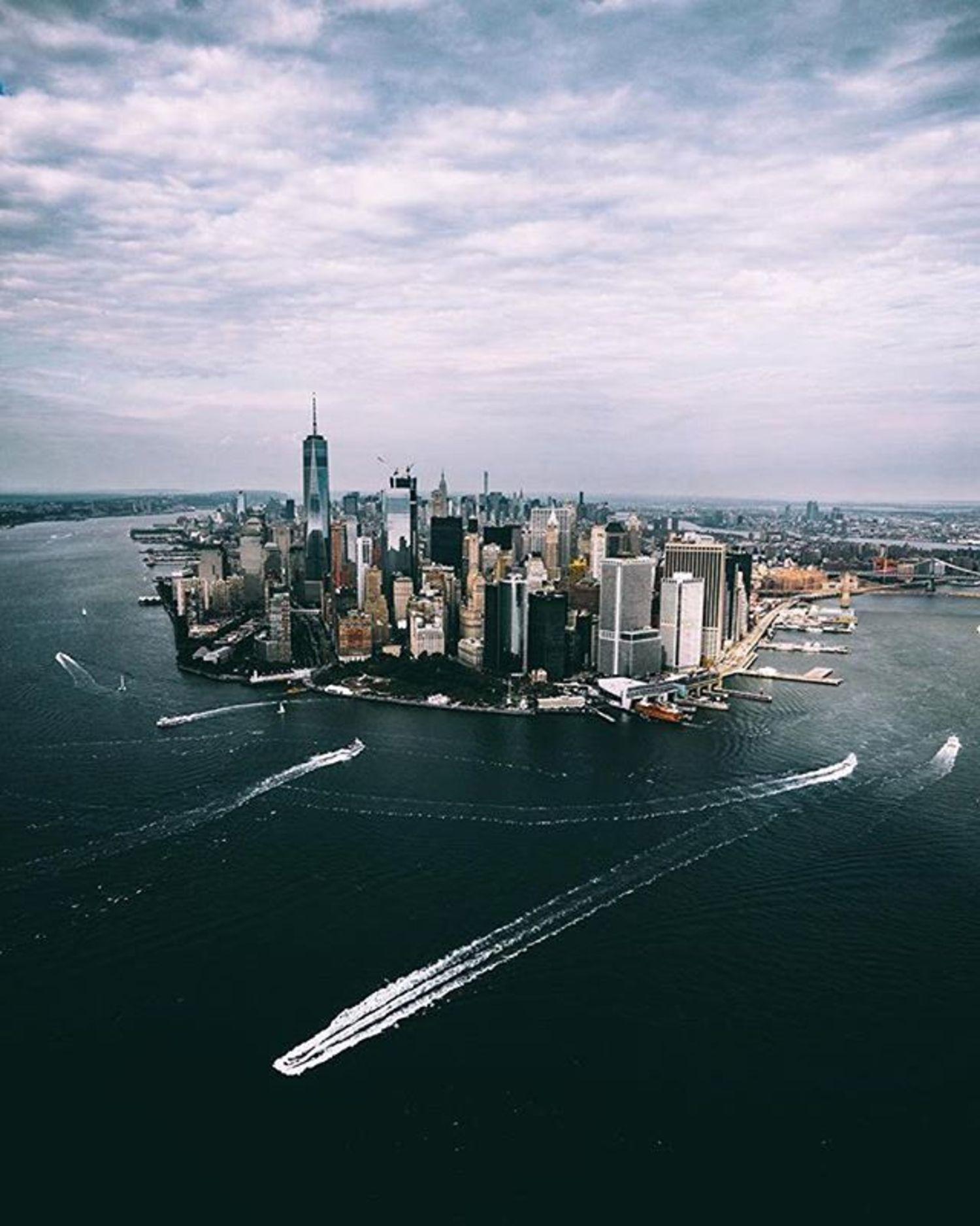 New York, New York. Photo via @henrykornaros #viewingnyc #newyorkcity #newyork