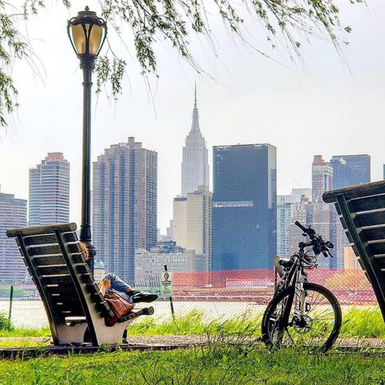 New York, New York. Photo via @qwqw7575 #viewingnyc #newyorkcity #newyork #nyc