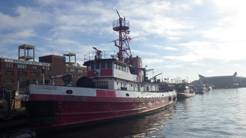 #1524690 - Boat, Fire, John Mathis 129', QTY:1