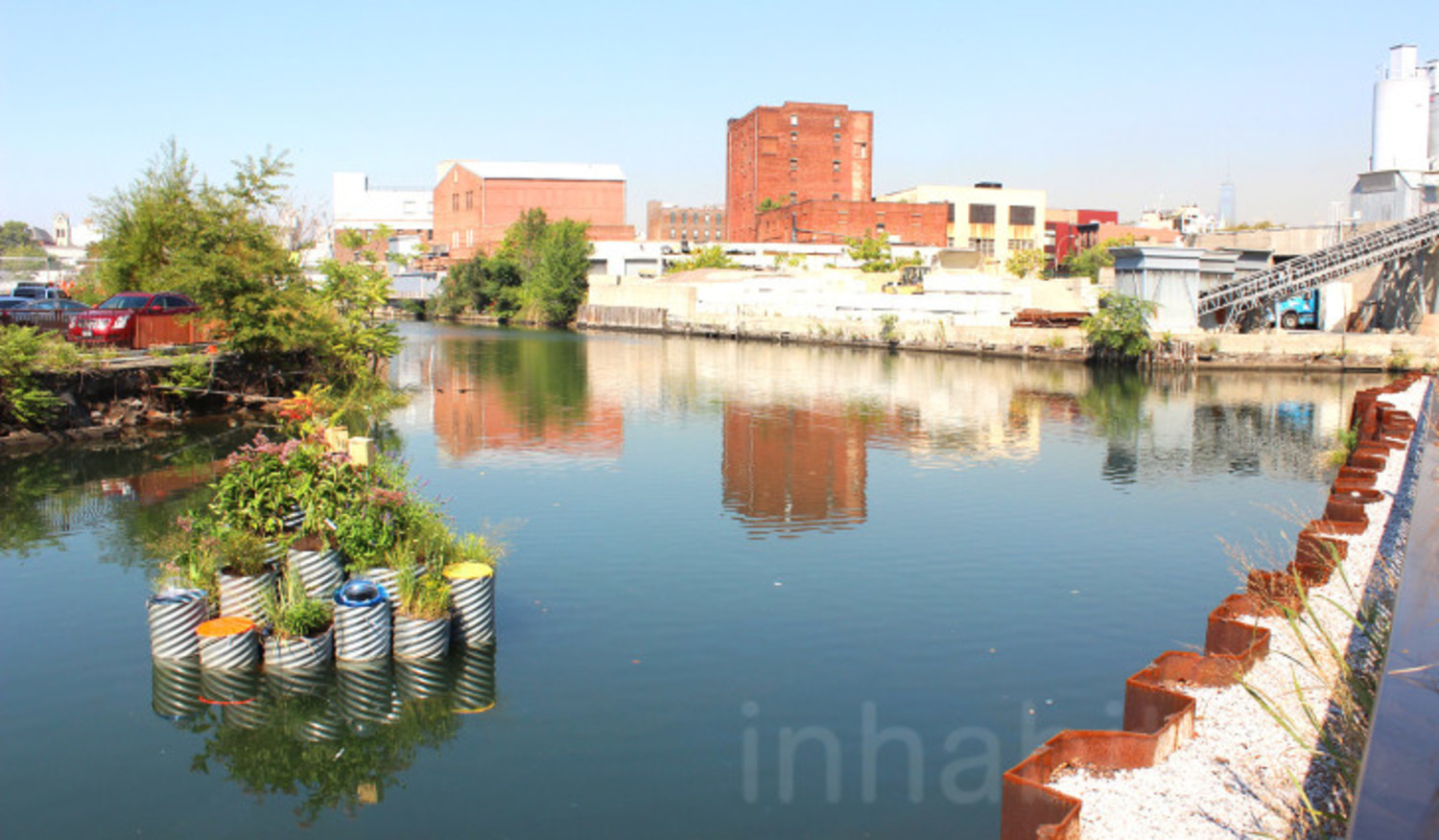 """GrowOnUs"" floating water-filtering garden pops up on the Gowanus Canal"