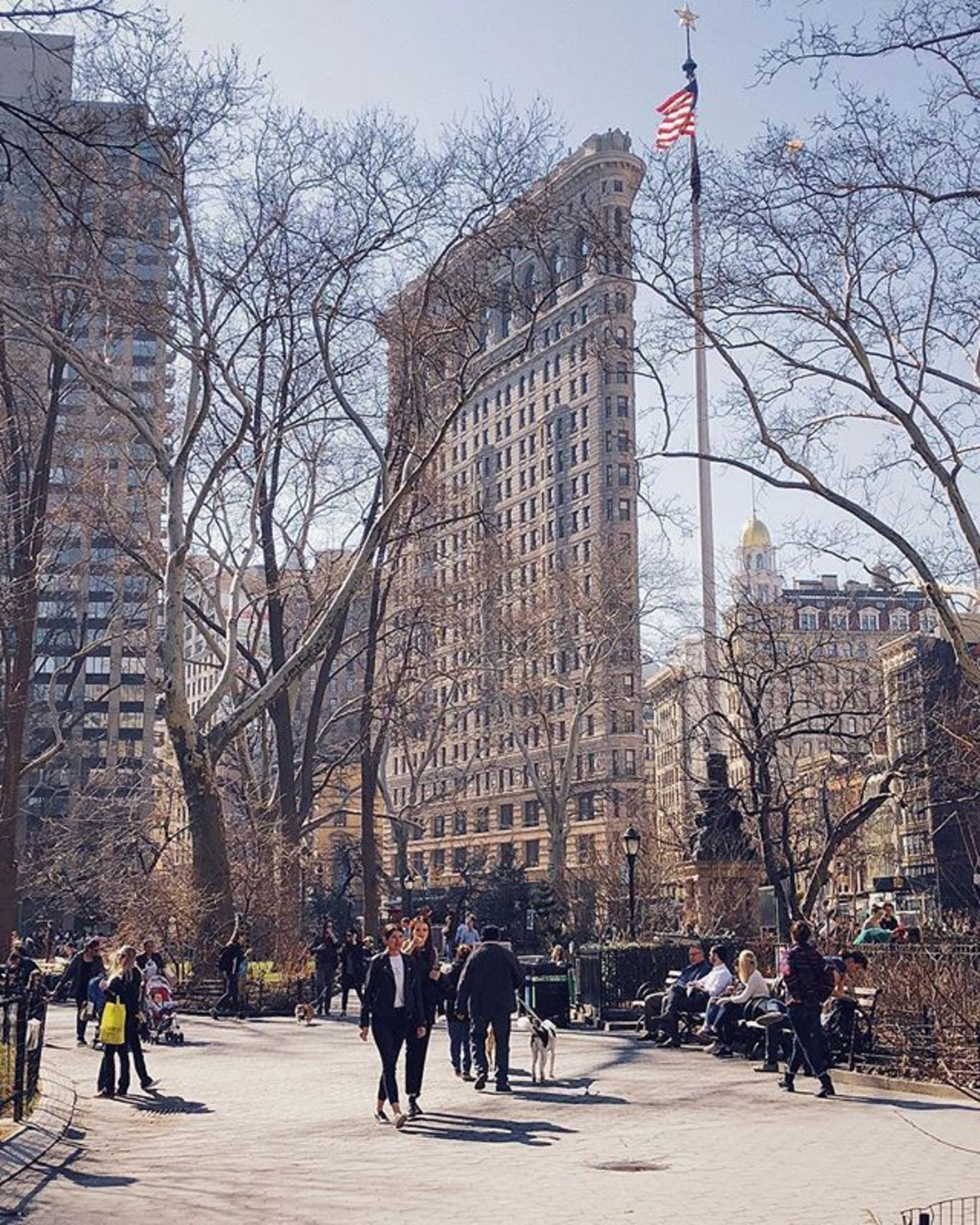 Flatiron Building, New York, New York. Photo via @melliekr #viewingnyc #newyork #newyorkcity #nyc #flatironbuilding