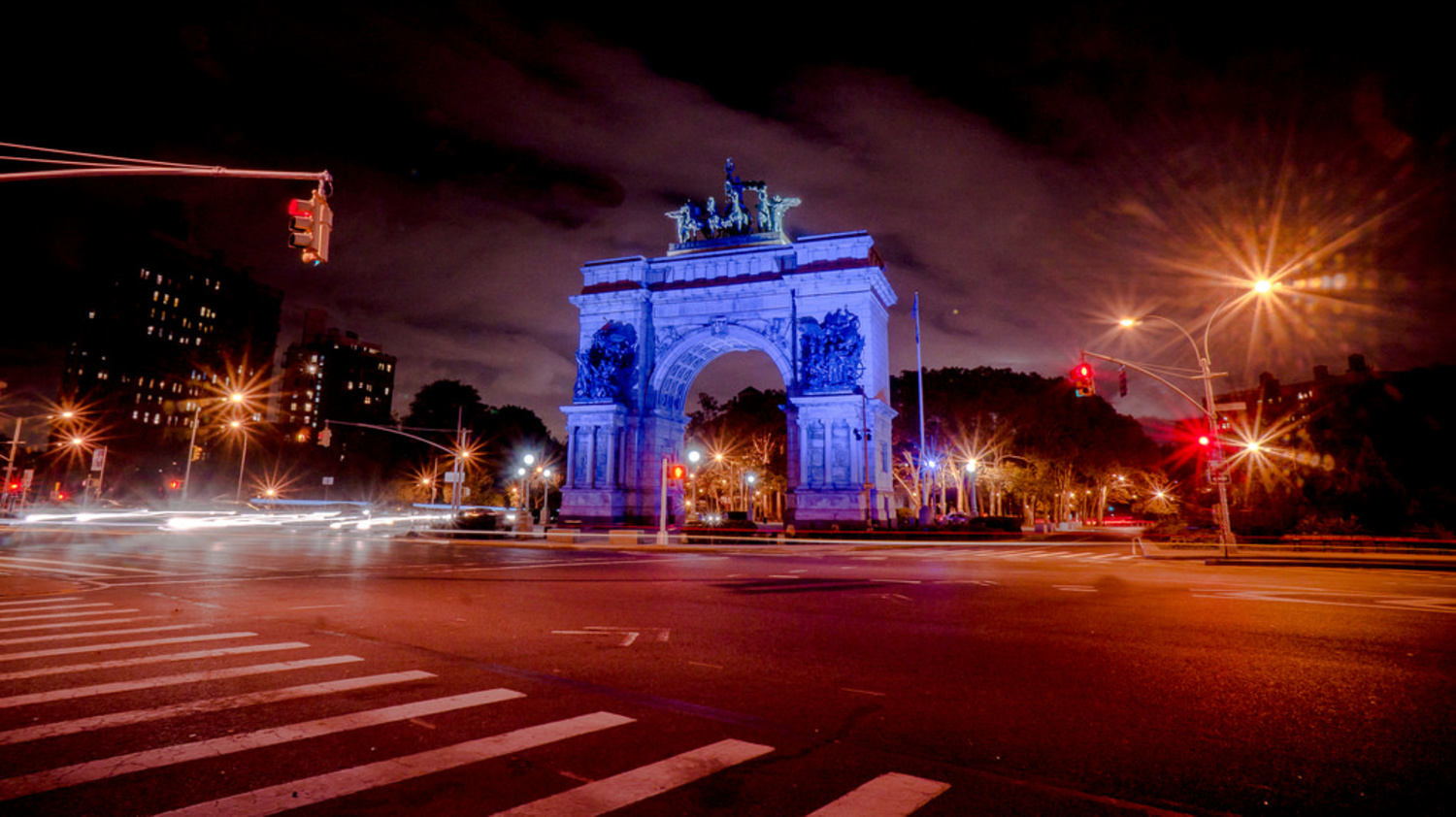 Grand Army Plaza | Brooklyn's busiest main roads converge around the rotunda known as Grand Army Plaza.