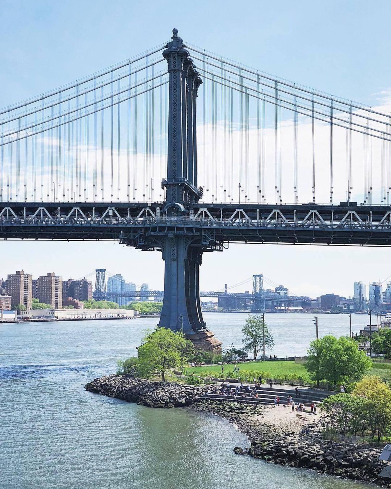 Manhattan Bridge, Brooklyn. Photo via @melliekr #viewingnyc #newyork #newyorkcity #nyc