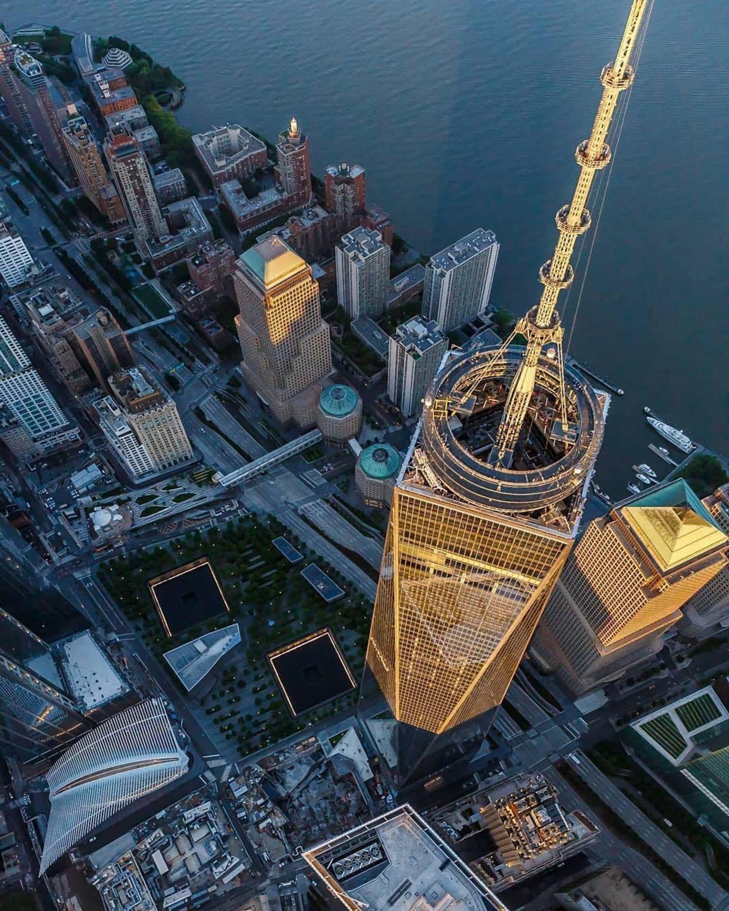 One World Trade Center, New York. Photo via @killahwave #viewingnyc #newyork #newyorkcity #nyc #1wtc #oneworldtradecenter
