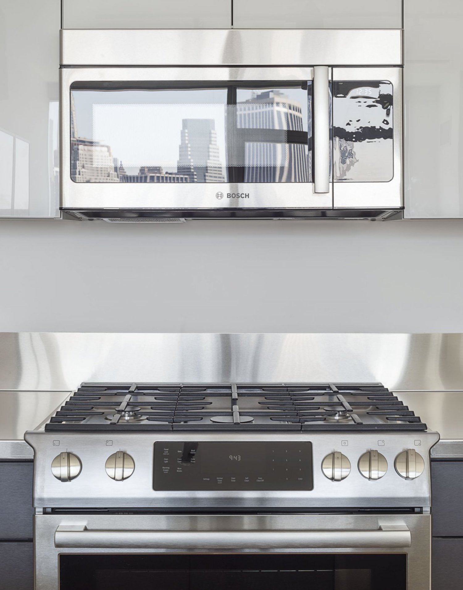The amenities are just as nice as you'd expect. Top-of-the-line Bosch appliances fill the space.