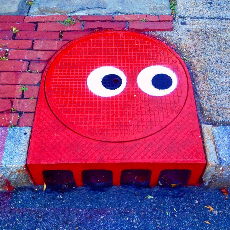 AFTER... #pacman #blinky #antagonist #tombob #manholecover #streetart #stencil #manhole #publicart #tombobnyc #manholecoverart #👀