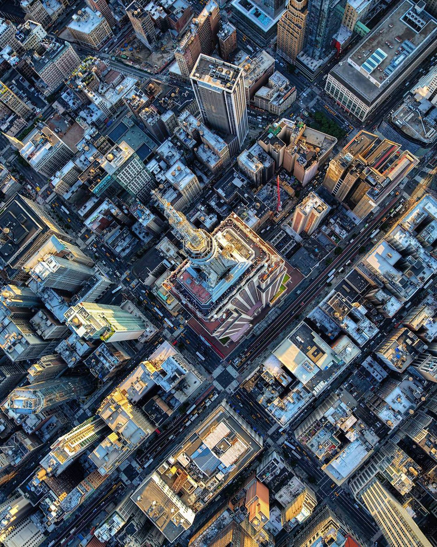 Happy Wednesday everyone! Empire State Building as seen from high above  Thanks for checking out my feed and as usual please check out the talented photographers tagged here as well  #createcommune #nyloveyou #icapture_nyc #fatalframes #way2ill #superhubs #igs_america #artofvisuals #moodygrams #igglobalclub #illgrammers #loves_nyc #wildnewyork #igworldclub #the_visionaries #theimaged #ig_northamerica #photowall #inspiring_photography_admired #usaprimeshot #cbviews #ig_exquisite #newyork_ig #ig_color #feedissoclean #igersofnyc #udog_peopleandplaces #beautifuldestinations #newyorklike #sky_high_architecture