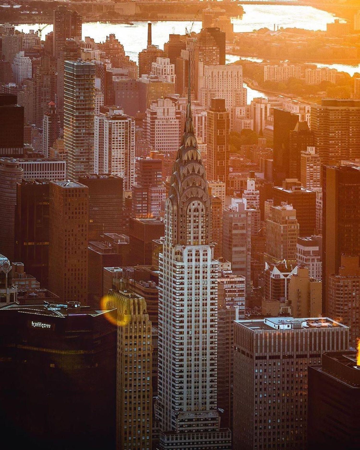 Sunrise over the Chrysler Building, Midtown, Manhattan. @flynyon