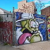 ⁴ᴷ⁶⁰ Walking NYC : Welling Court Street Art (Astoria, Queens) (May 1, 2020)