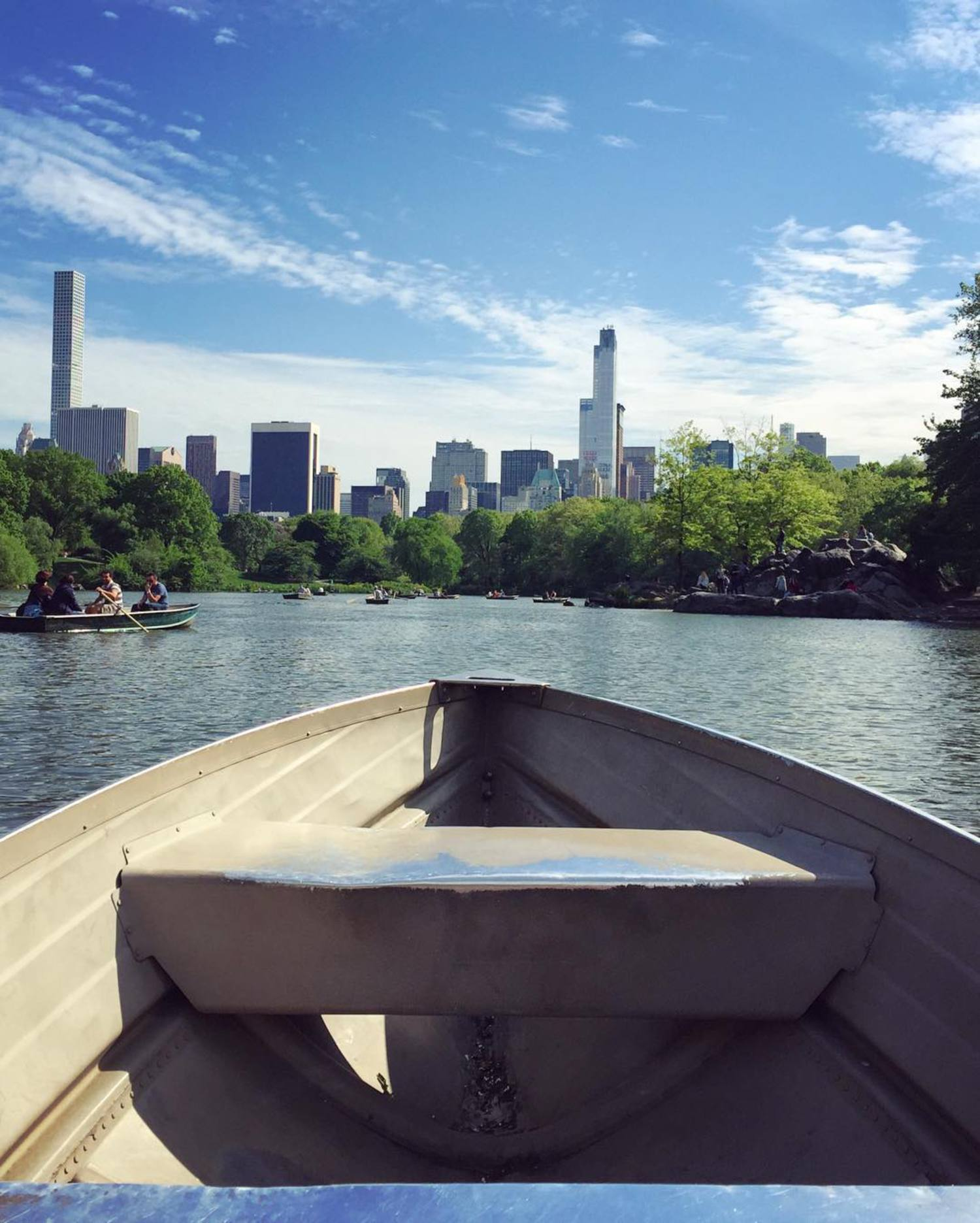 Canoe even believe this weather?! Beautiful day here in NYC! 🚣🏼☀️🌳🏙