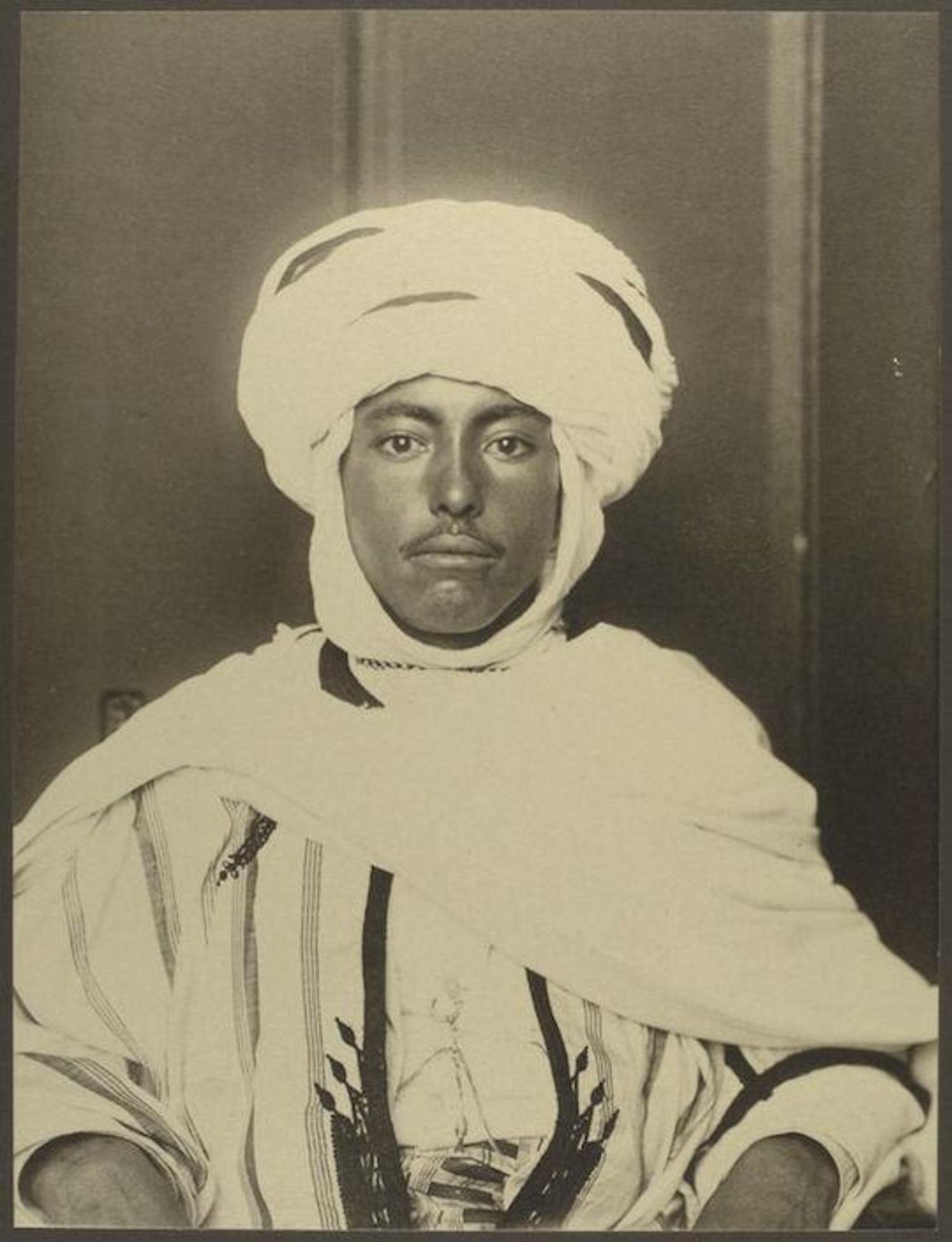 An Algerian man. Portraits for Ellis Island.