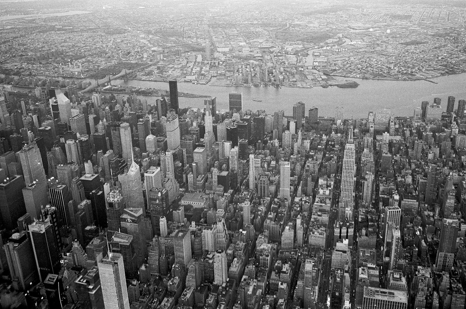 Manhattan | Overflying Manhattan, preparing to land at LaGuardia airport.