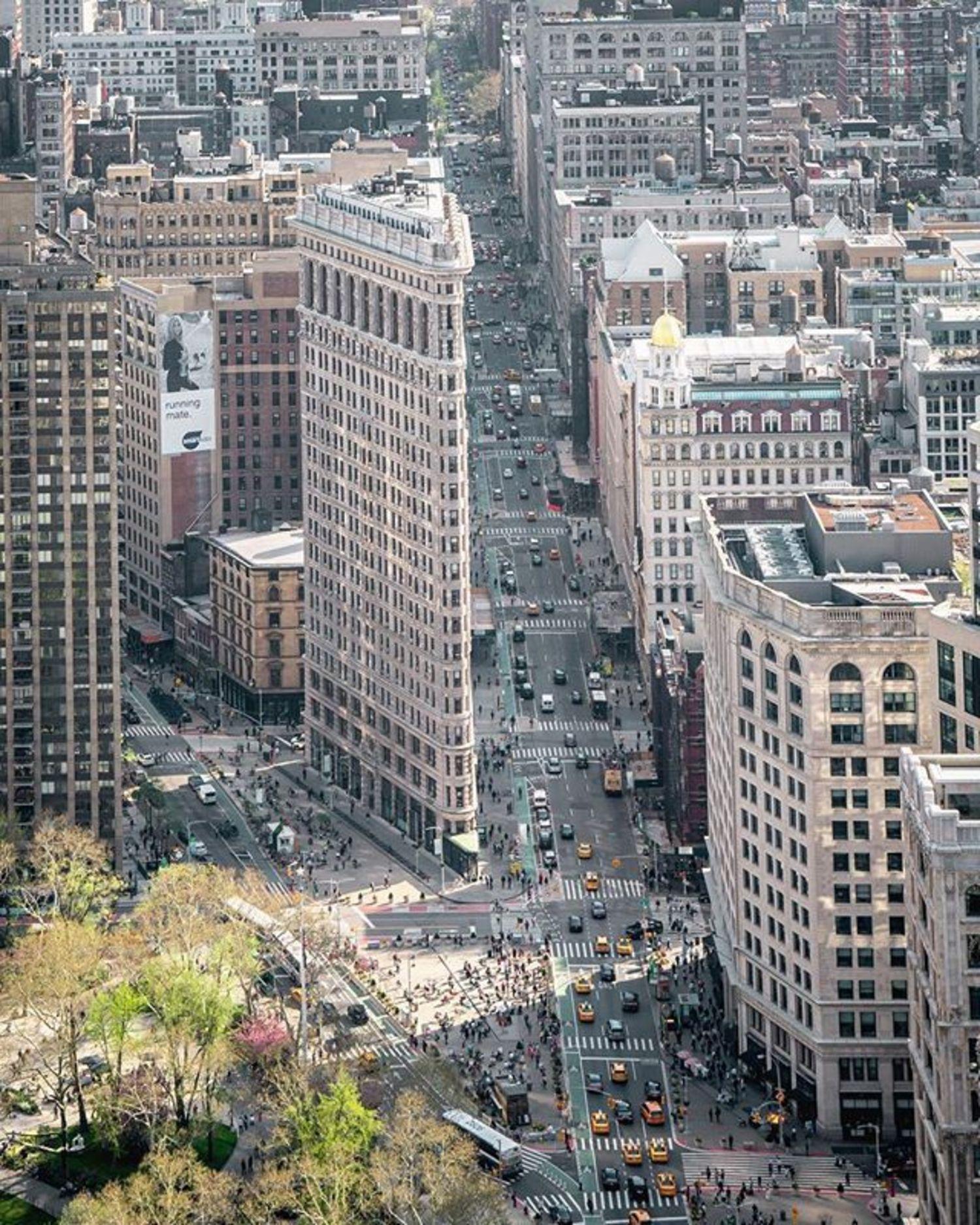 Flatiron Building, New York, New York. Photo via @212sid #viewingnyc #newyorkcity #newyork #nyc