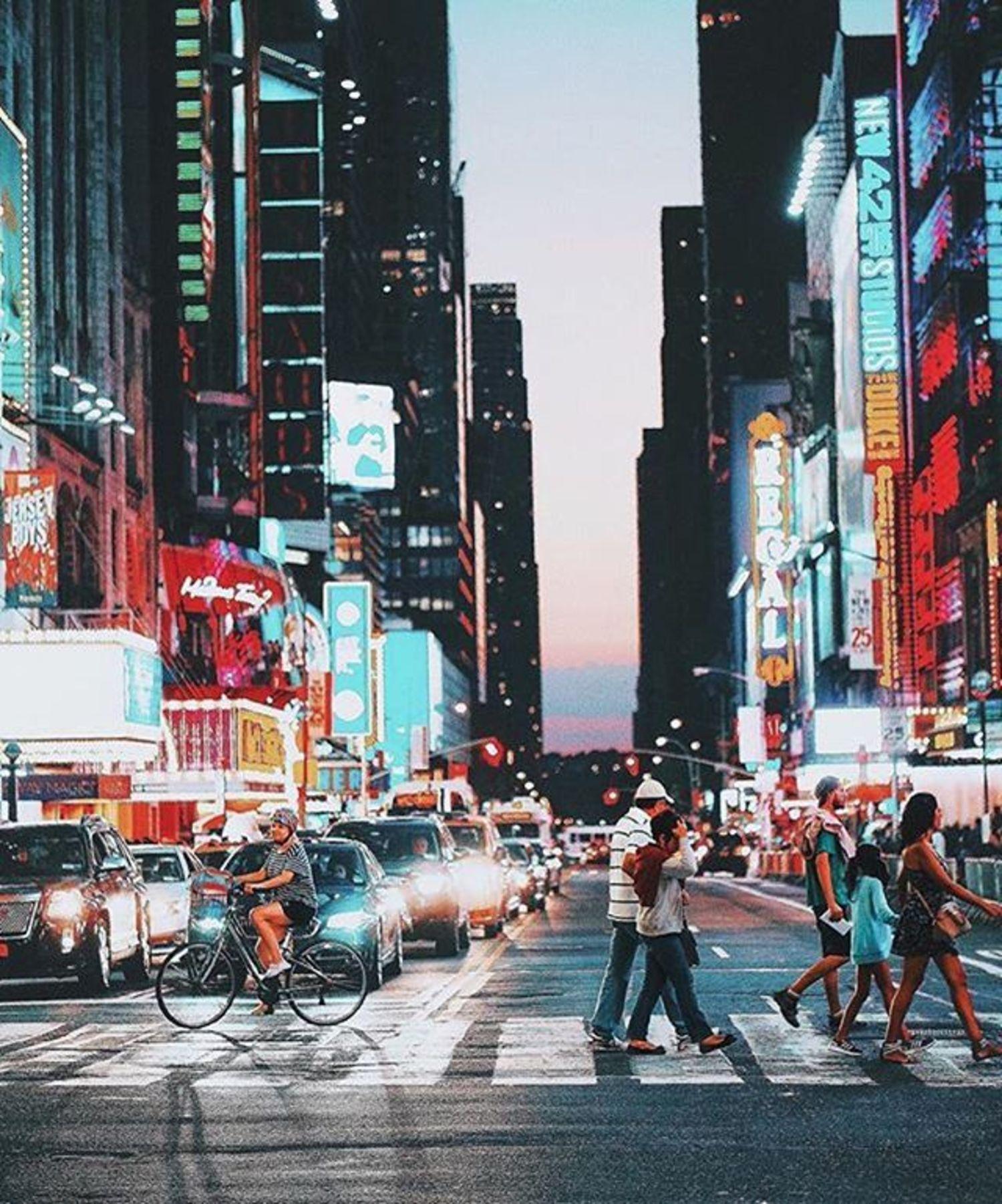 New York, New York. Photo via @golden2dew #viewingnyc #newyorkcity #newyork