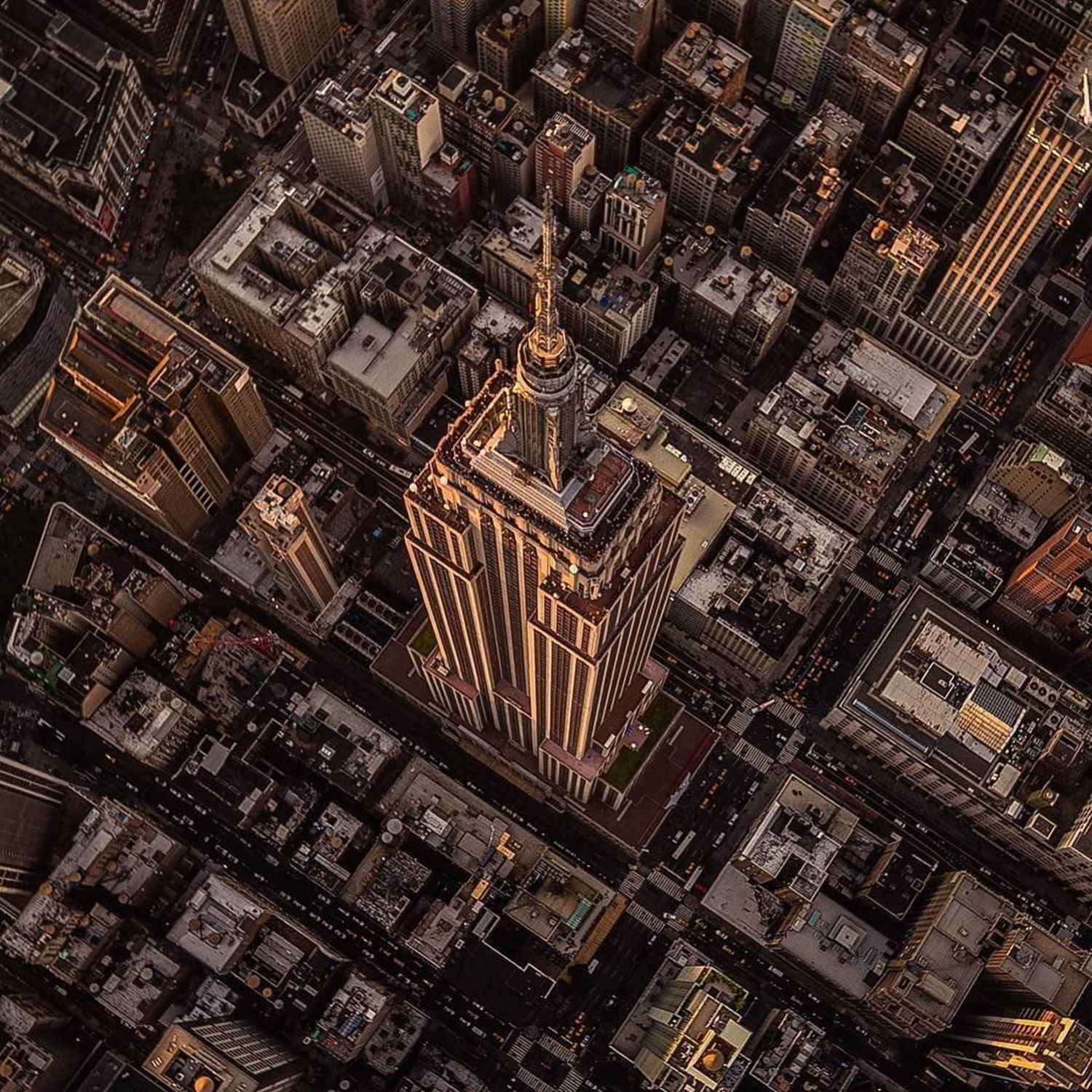 Empire State Building, New York City. Photo via @2ndfloorguy #viewingnyc #newyorkcity #newyork