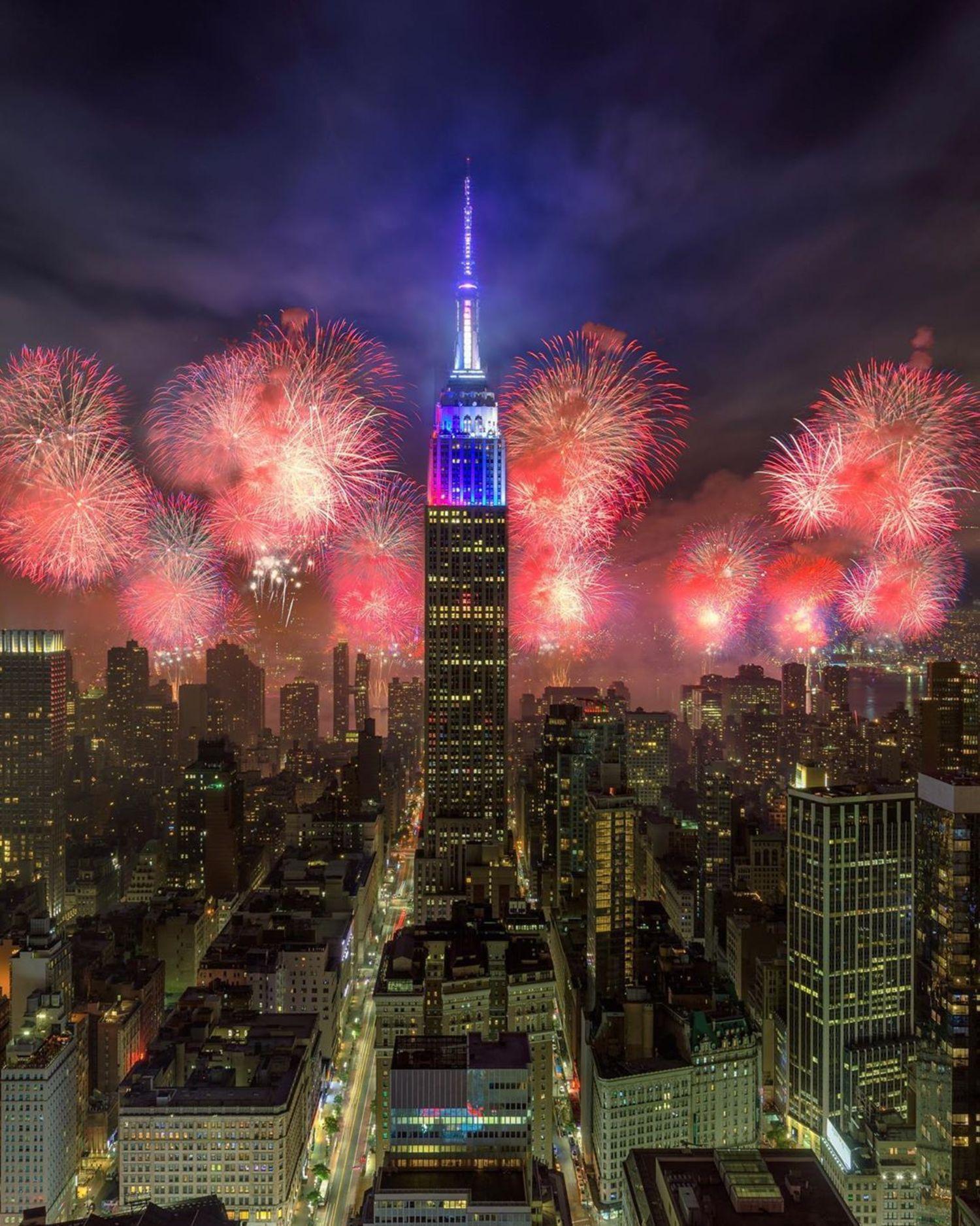 Fireworks over Empire State Building, Midtown, Manhattan