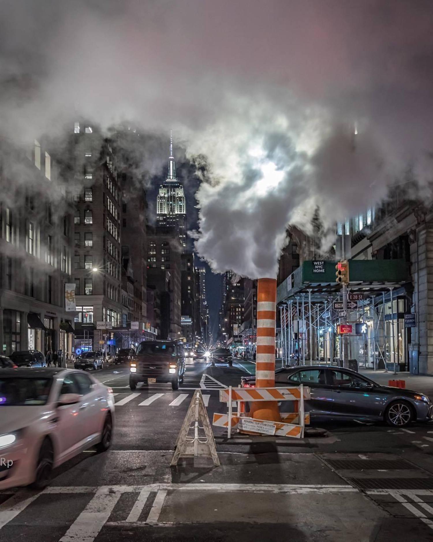 New York, New York. Photo via @ricp2206 #viewingnyc #nyc #newyork #newyorkcity #empirestatebuilding
