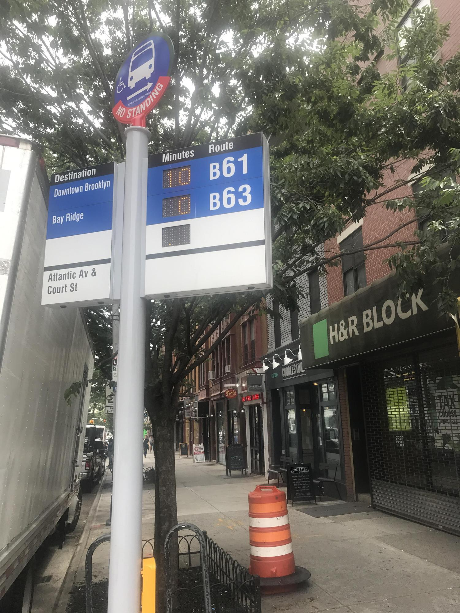 The new bus countdown timers are here! Atlantic Ave and Court St, Brooklyn