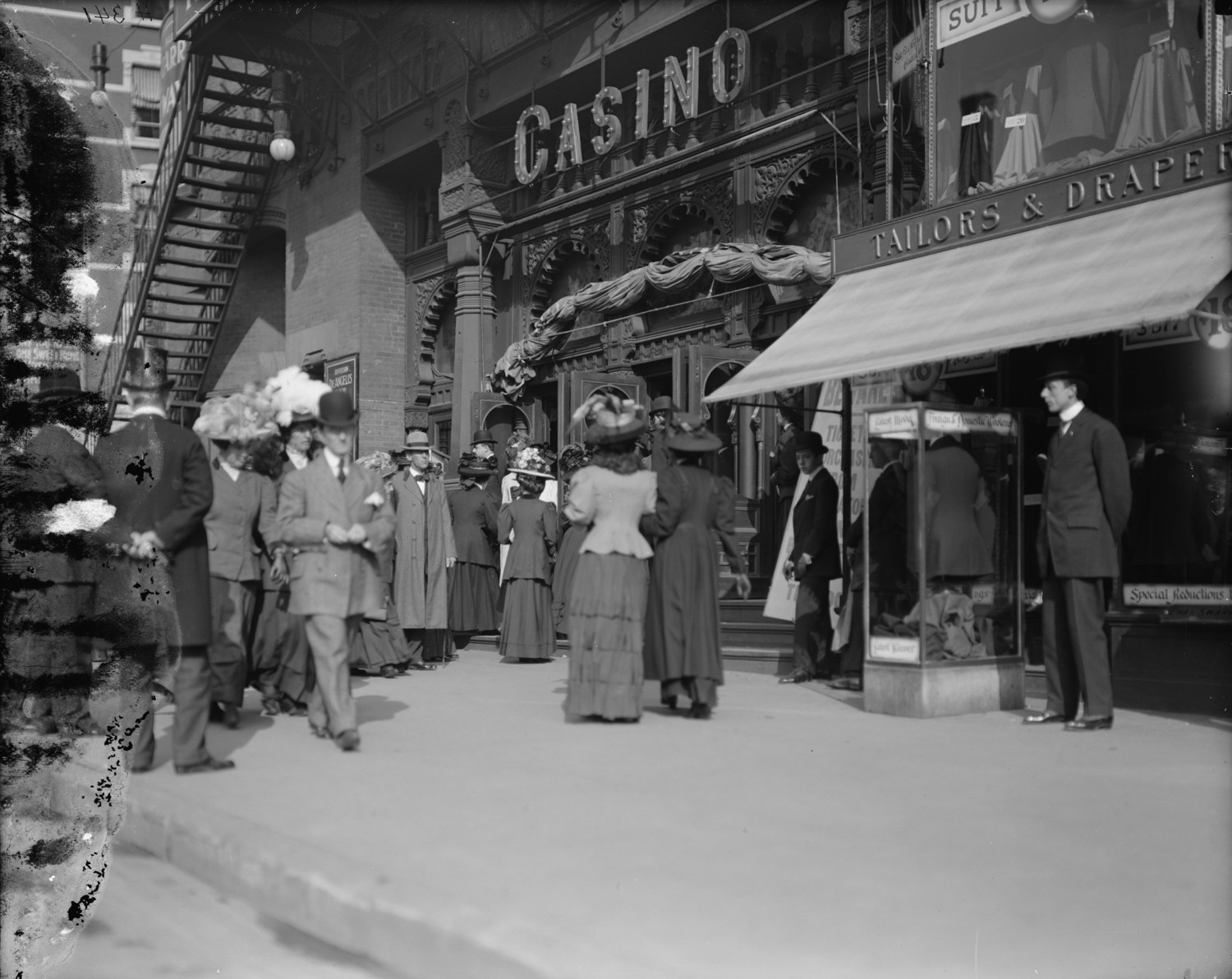 A Busy New York City Street Scene At The Casino Theatre – 1907