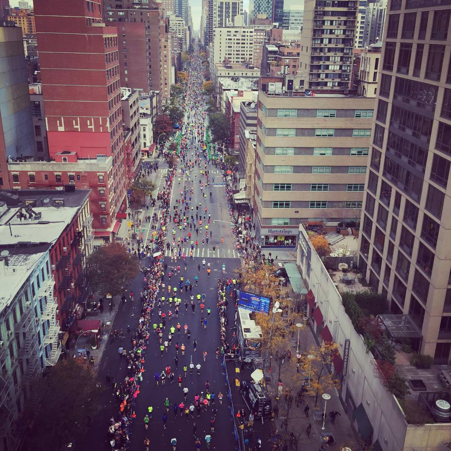 Congrats to all the #nymarathon2015 runners! Snagged this photo while on the #rooseveltisland Tram! #26miles
