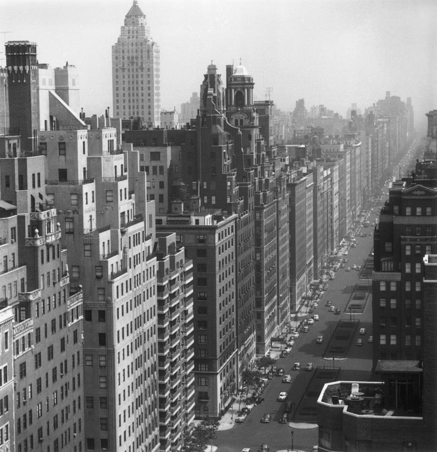 Park Avenue, New York, 1953 #Photo by Slim Aarons http://t.co/lOw3d8uY6c
