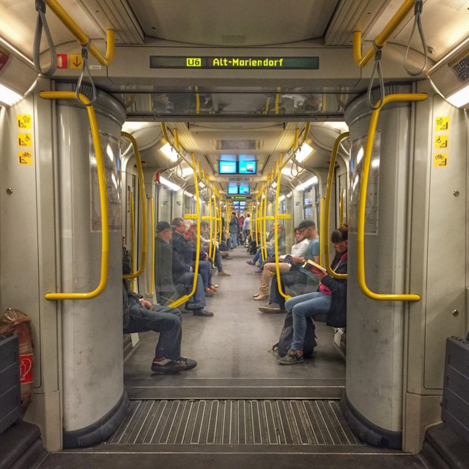 Open gangways on the Berlin U-Bahn's U6. These so-called großprofil cars are spacious, and the design does wonders for passenger flow and crowding.