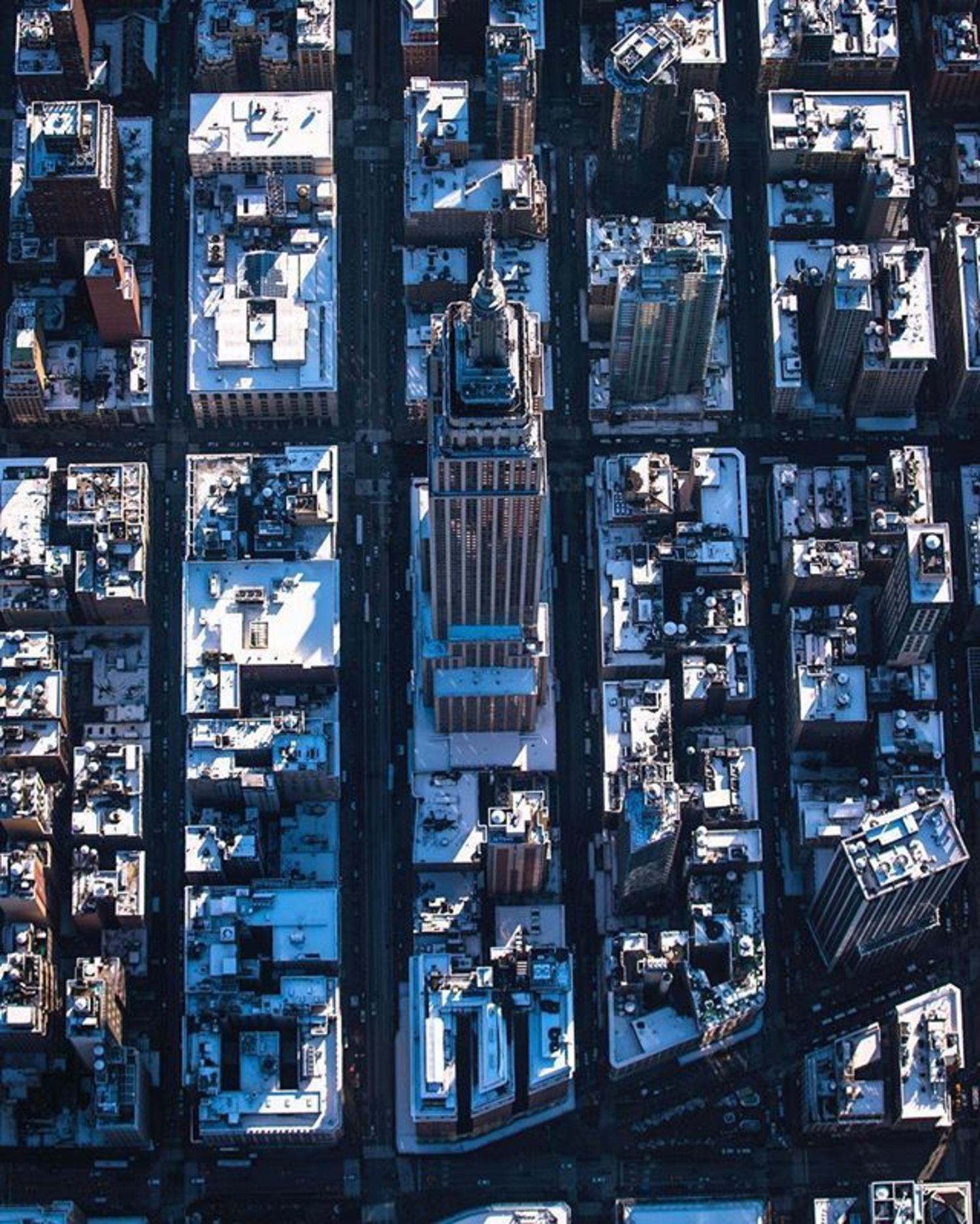 Empire State Building, New York, New York. Photo via @craigsbeds #viewingnyc #newyork #newyorkcity #nyc #empirestatebuilding