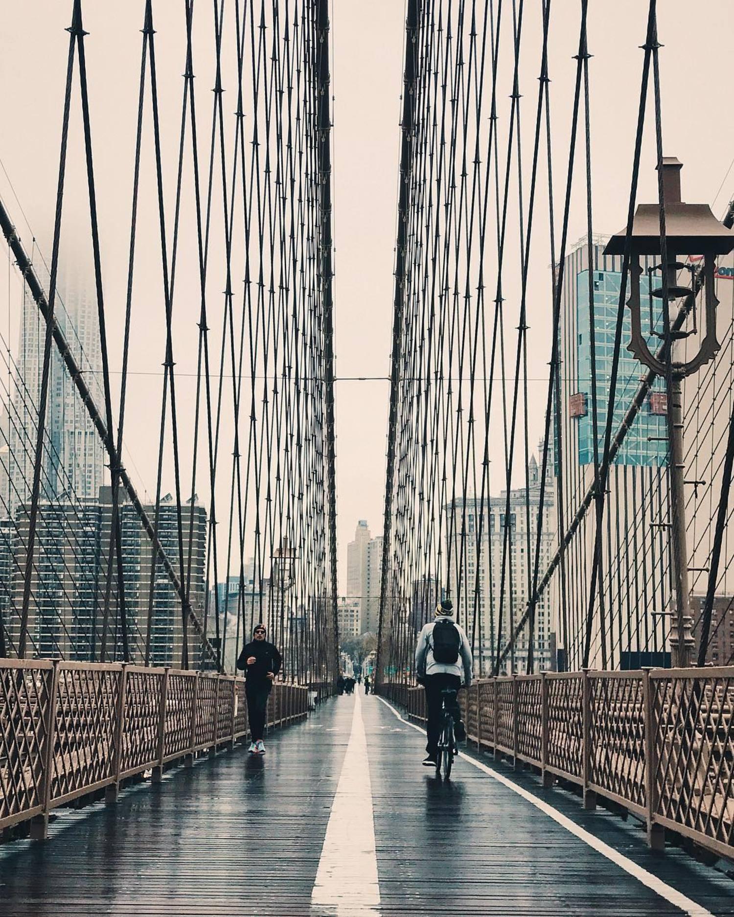 🏃🏻🚴🏼🌧☔️ . . . #vsco #vscocam #nbc4ny #abc7ny #NYC #NewYork #NewYorkCity #huffpostgram #morningslikethese #autumn #vscogood #made_in_ny #neverstopexploring #explore #exploreeverything #communityfirst #thatsdarling #seeyourcity #symmetry #thisisnewyorkcity #symmetricalmonsters #symmetrykillers #nature #nypix