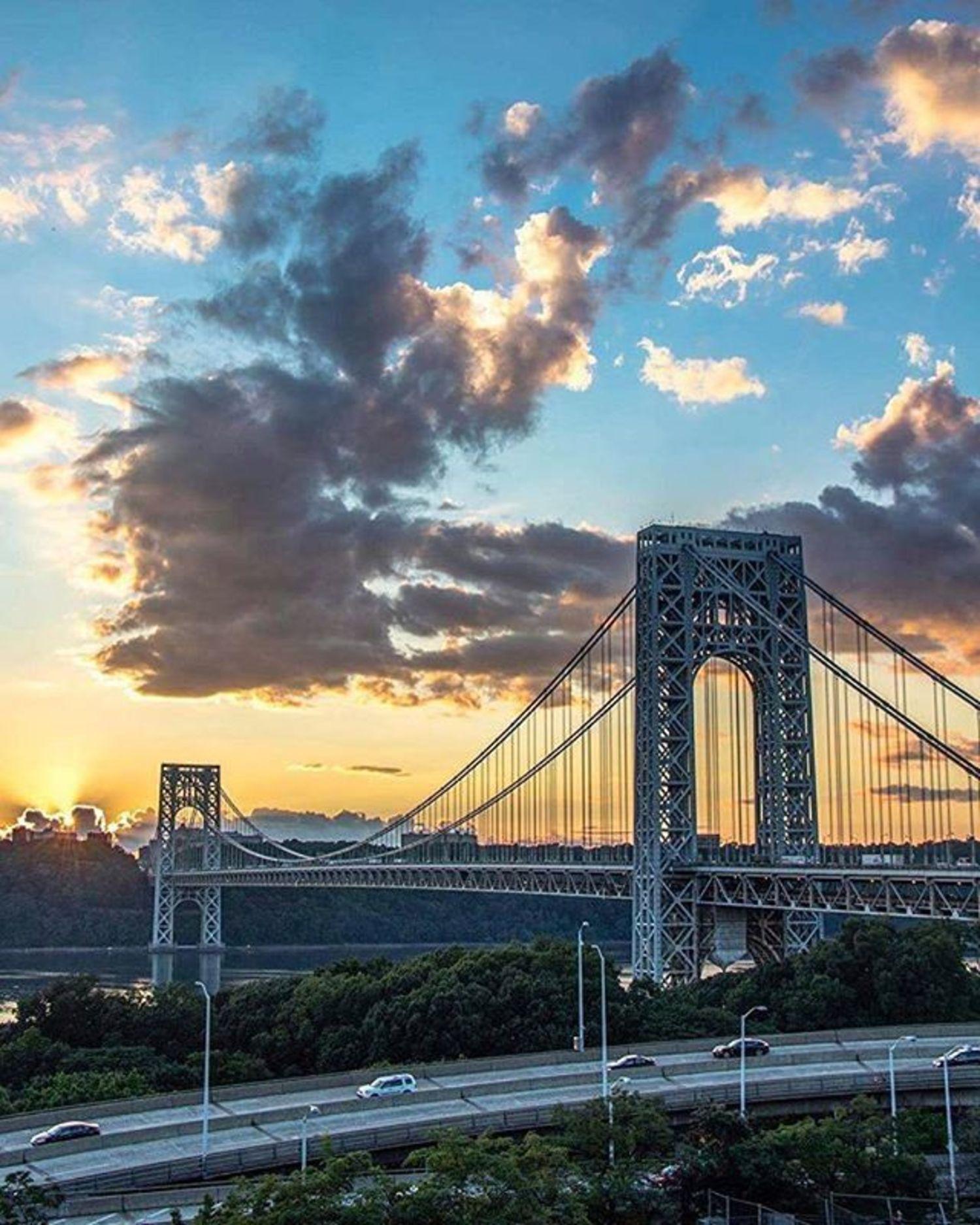 George Washington Bridge, New York. Photo via @newyorkcitykopp #viewingnyc #newyorkcity #newyork