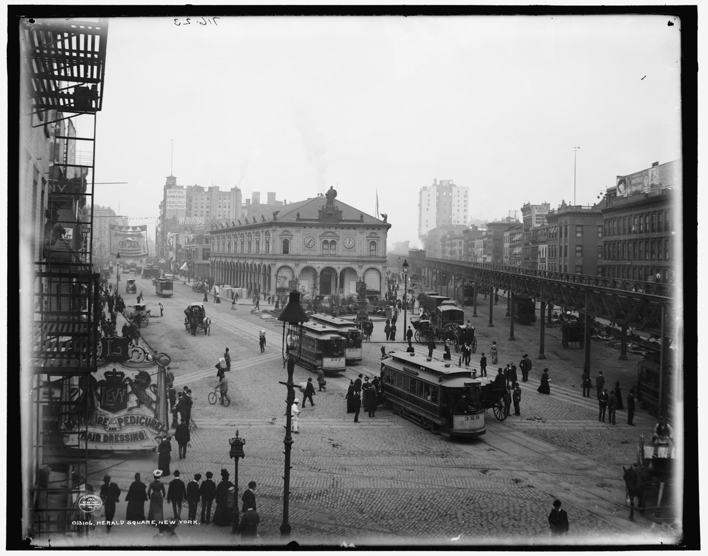 Herald Square, New York, ca. 1901