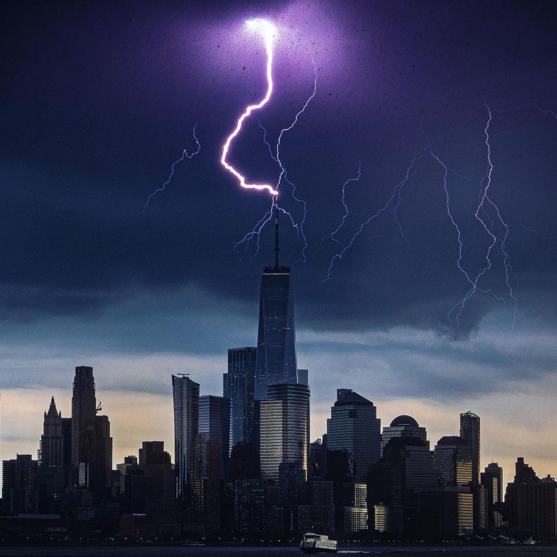 Lightning hitting One World Trade Center, New York