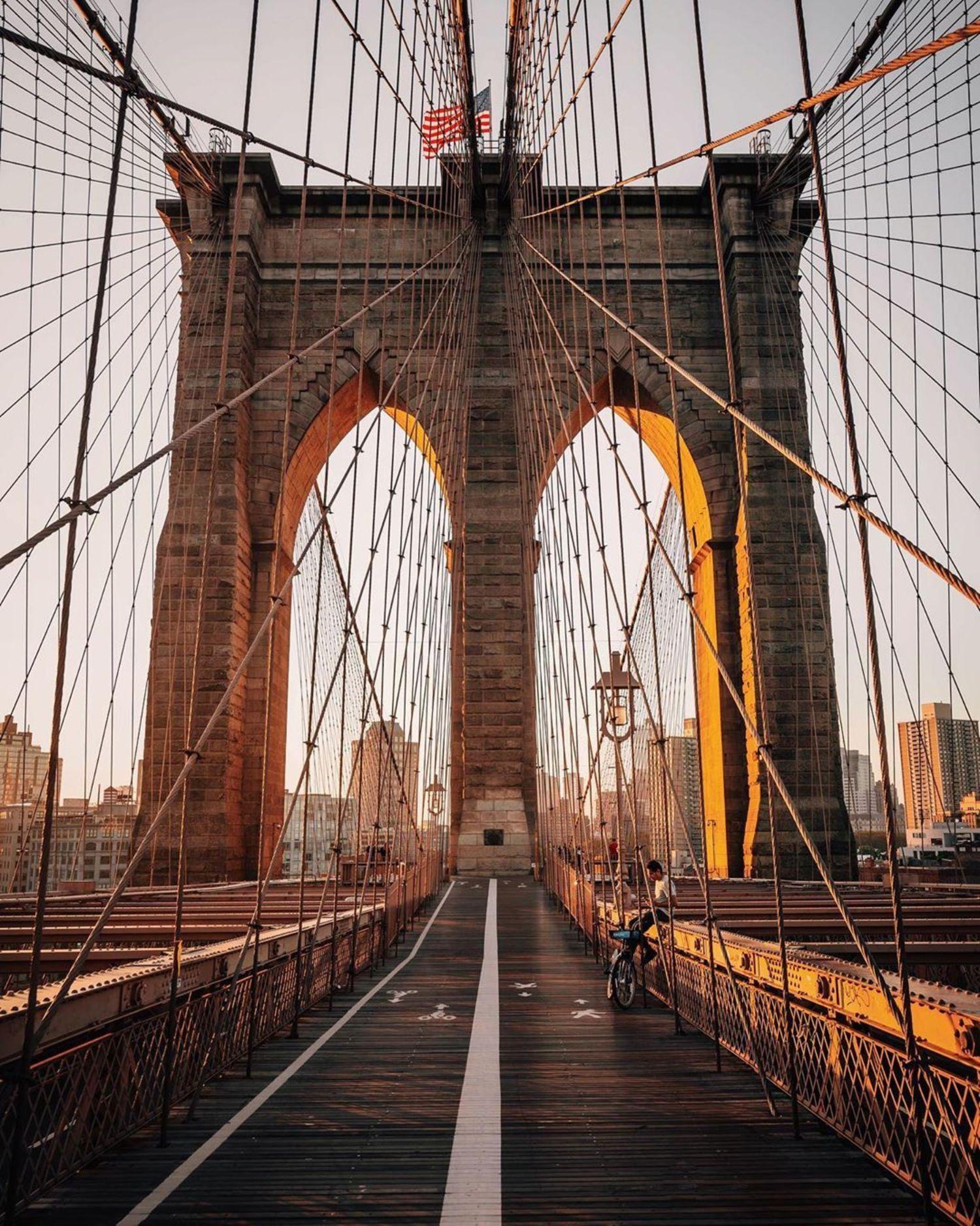 Sunrise on Brooklyn, Bridge