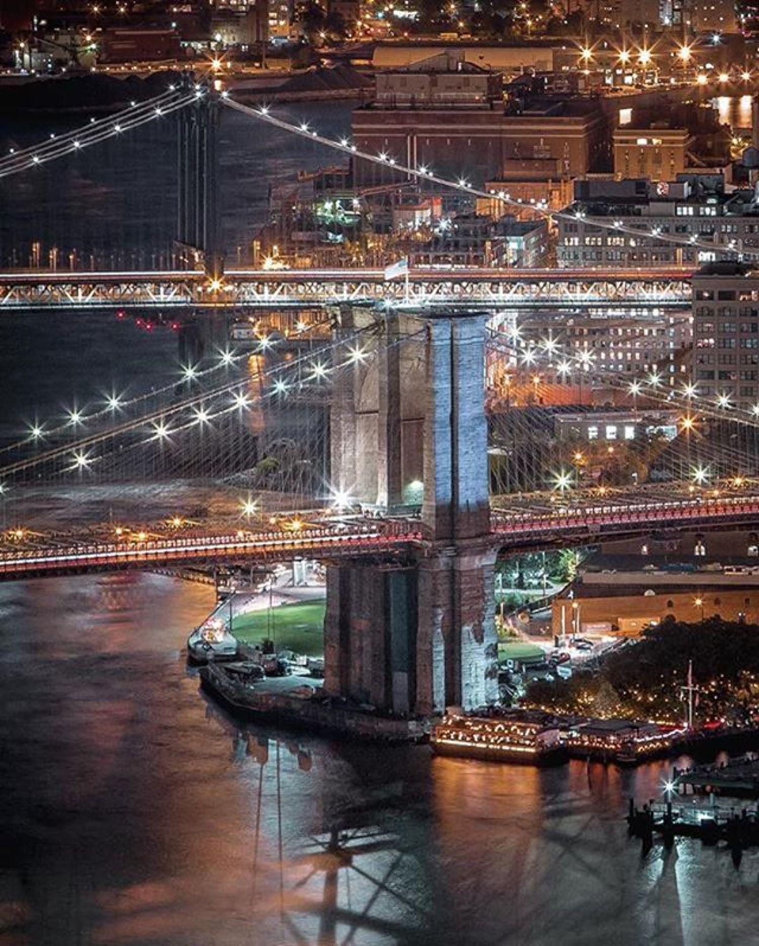 Dumbo, Brooklyn. Photo via @212sid #viewingnyc