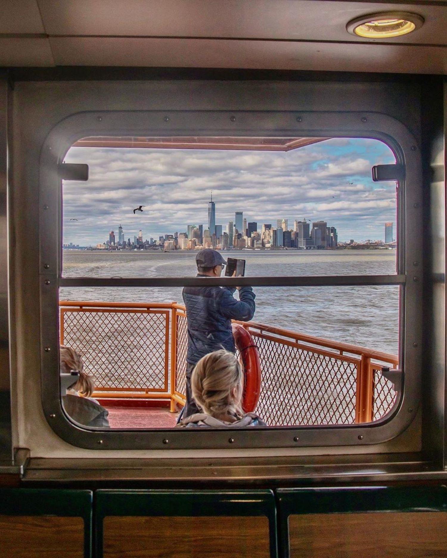 Staten Island Ferry, Manhattan Bound