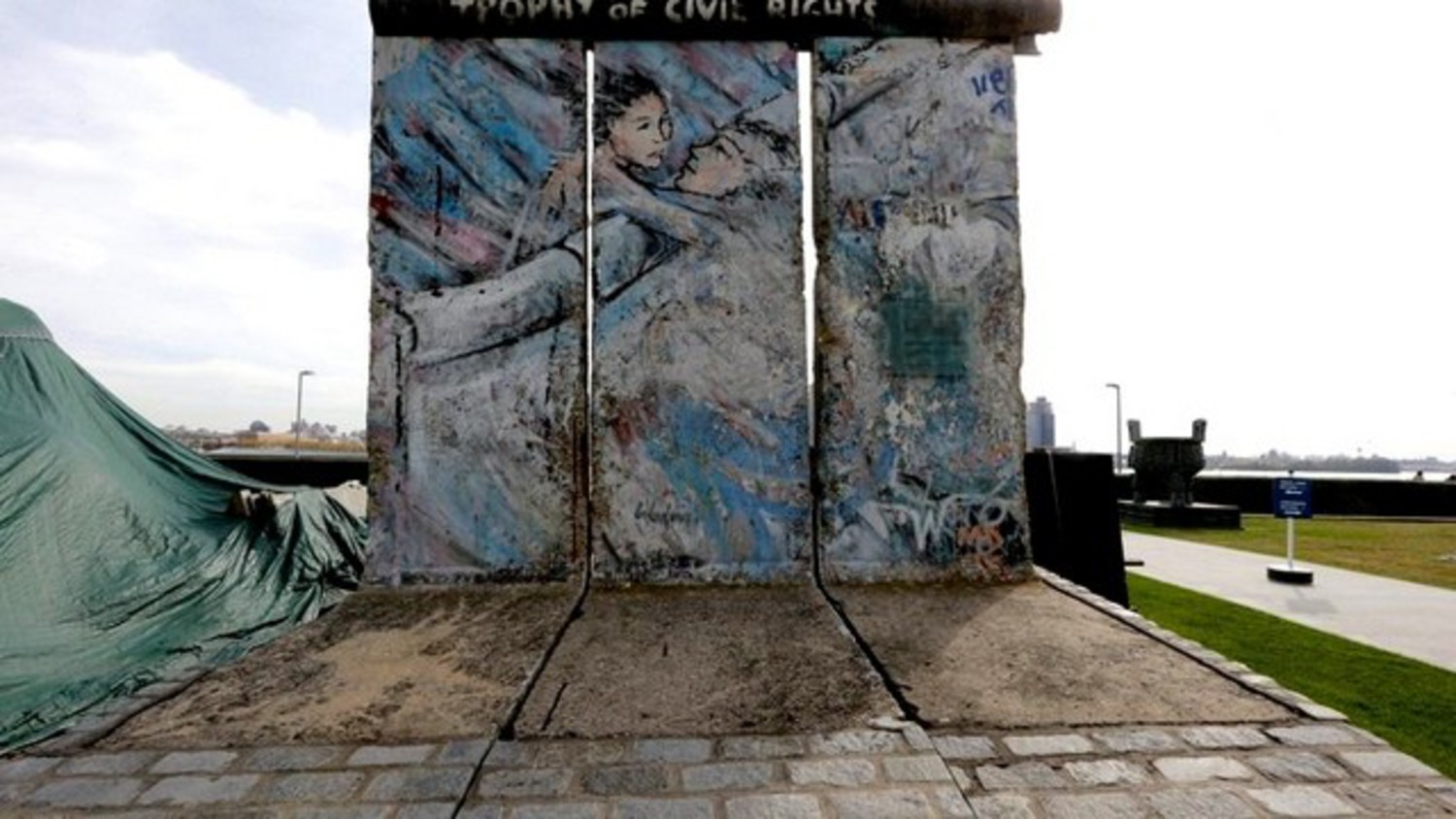The United Nations Berlin Wall
