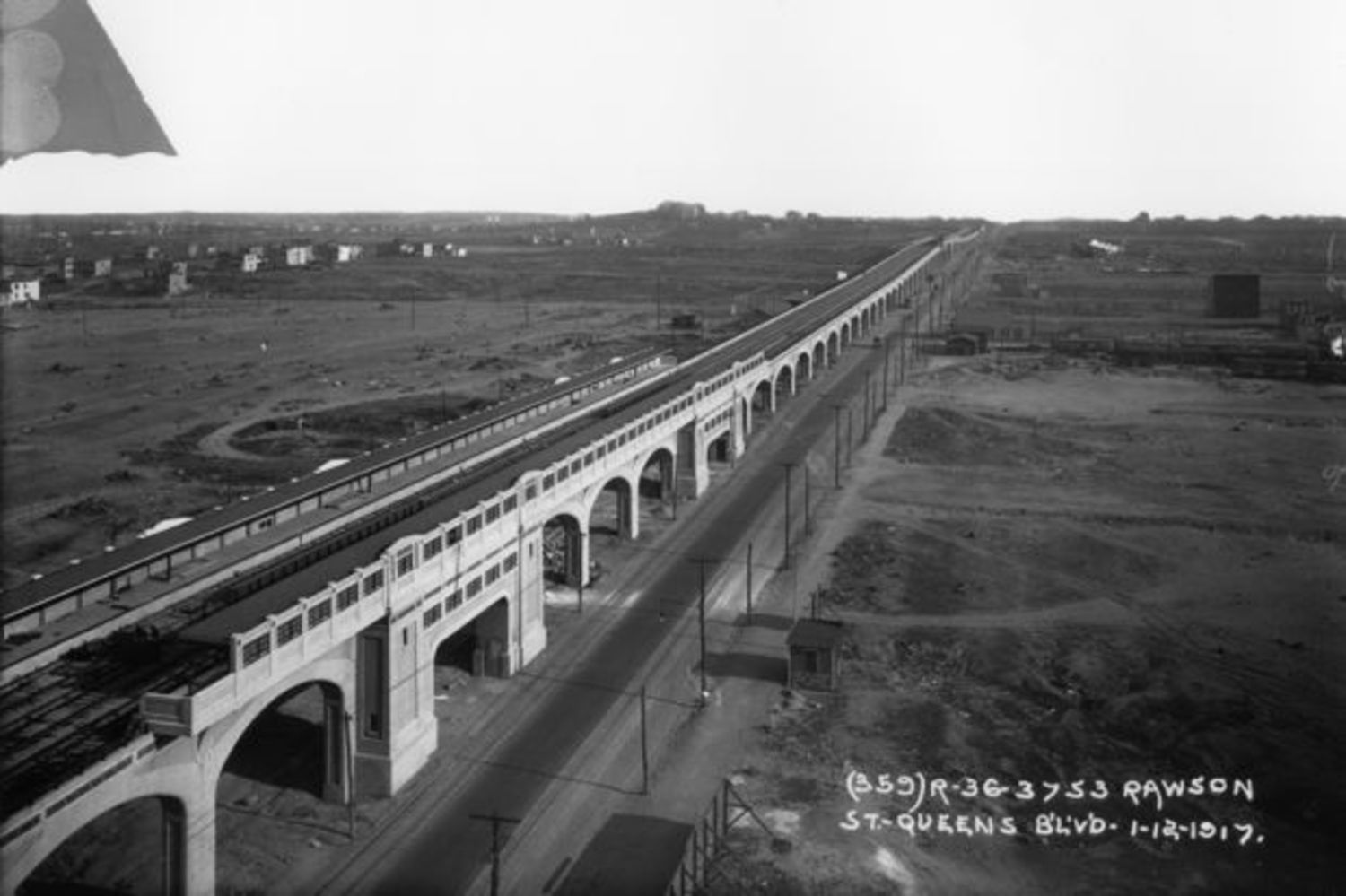 The Queens Boulevard Viaduct in 1916.