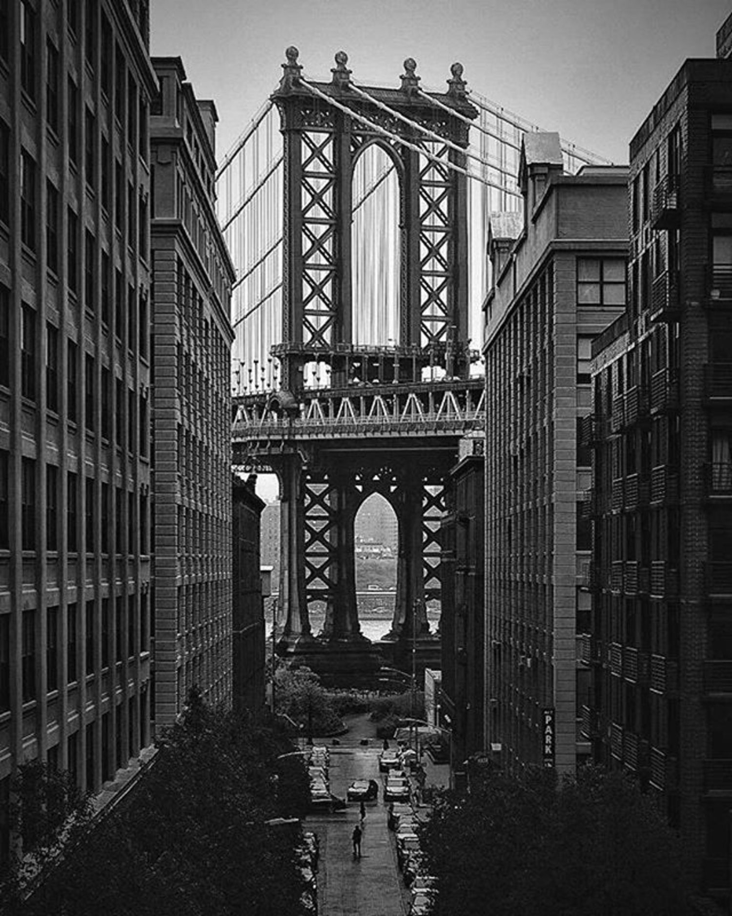 Manhattan Bridge, DUMBO Photo via @lower.east.side_ #viewingnyc