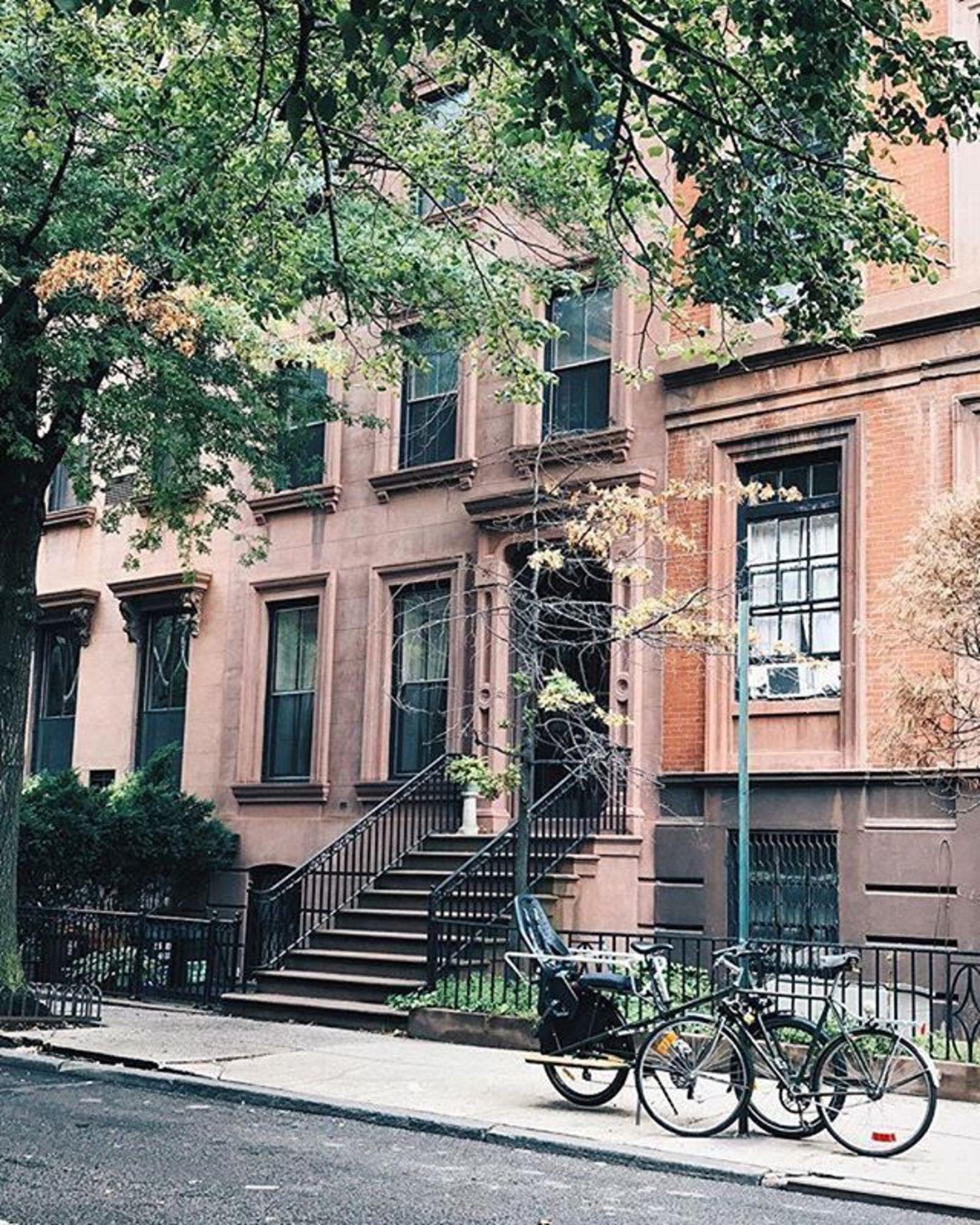 New York, New York. Photo via @melliekr #viewingnyc #newyorkcity