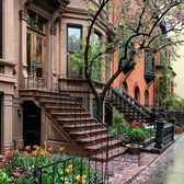 Park Slope, Brooklyn. Photo via @madufault #viewingnyc #nyc #newyork #newyorkcity #flowers