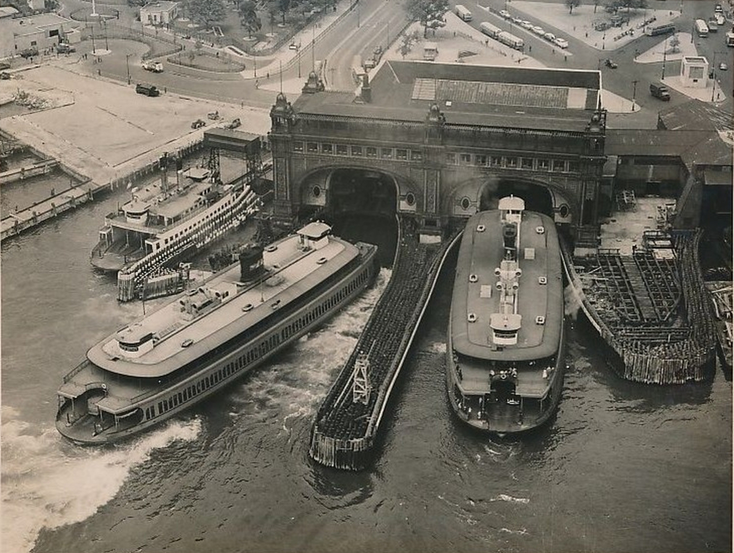 Staten Island Ferry And Terminals – 1960