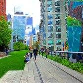 Walking tour of The High Line in Manhattan, New York City - 4K