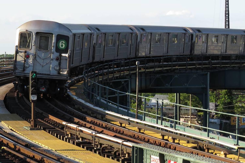 Curve  06/17/2016  #bronx #nycsubway #transit #nyctransit #train #subway #railway #railfan #r62 #instagramnyc #nyc_explorers #what_i_saw_in_nyc #ig_nycity #nycprimeshot #newyork_ig #abc7ny #nbc4ny #cityscape #usaprimeshot #nydngram #fox5ny #timeoutnewyork #seeyourcity #iloveny #nycdotgram #newyork_instagram #icapture_nyc #njshooterz #yourshot #yourtake