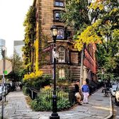 Ave Lebewohl Triangle, East Village, Manhattan. Photo via @qwqw7575 #viewingnyc #newyork #newyorkcity #nyc #abelebewohlpark #abelebewohltriangle