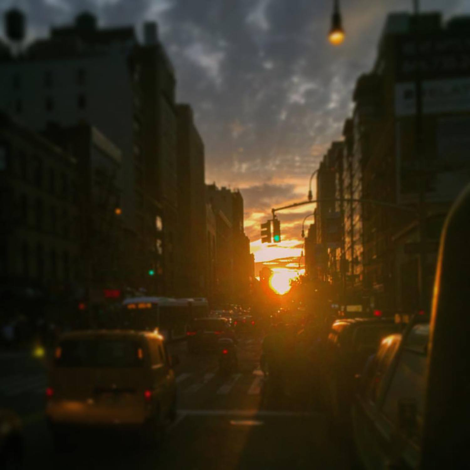 Henge. And then Henge again. #manhattanhenge #newyorkcity #nyc #sunset