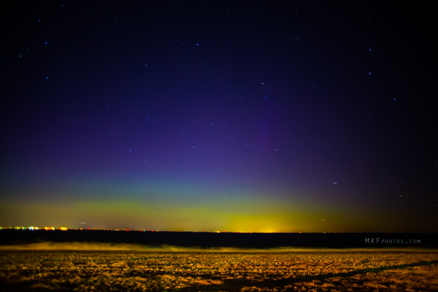 #aurora #NorthernLights north shore of LI NY. Faint pillar just to the left of center. @LeeGoldbergABC7 http://t.co/tjrGy2PuRo