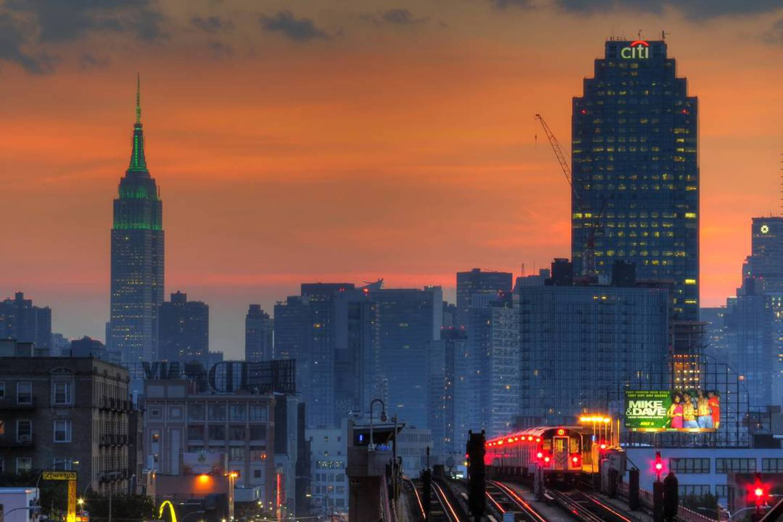 Another sunset shot tonight  07/06/2016  #sunset #empirestatebuilding #citi #queens #nycsunset #7train #sunnyside #nycsubway #transit #nyctransit #railfan #HDR #instagramnyc #nyc_explorers #what_i_saw_in_nyc #ig_nycity #nycprimeshot #newyork_ig #abc7ny #nbc4ny #pix11news #nydngram #fox5ny #timeoutnewyork #seeyourcity #iloveny #nycdotgram #newyork_instagram #icapture_nyc #njshooterz