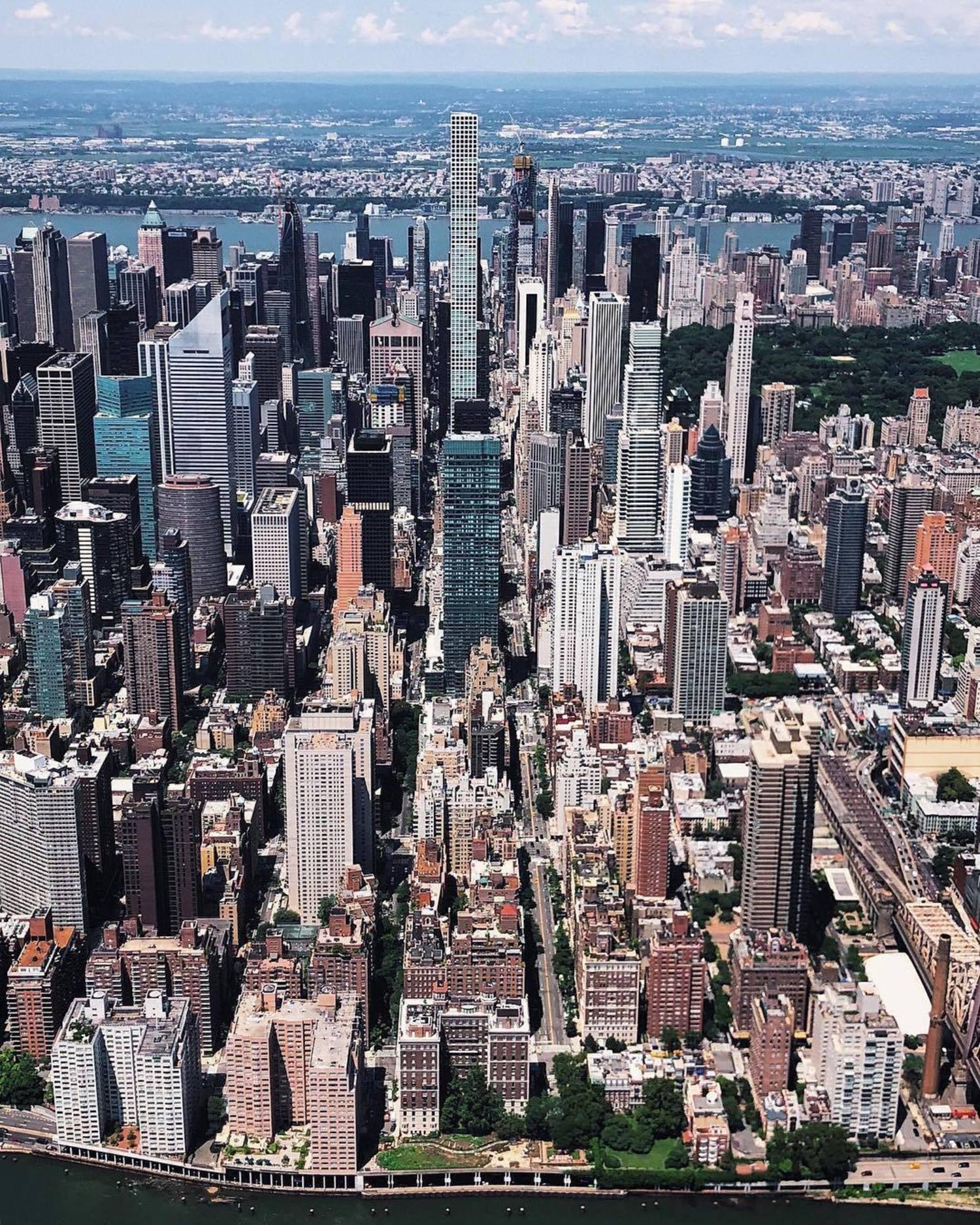 New York, New York. Photo via @melliekr #viewingnyc #newyork #newyorkcity #nyc
