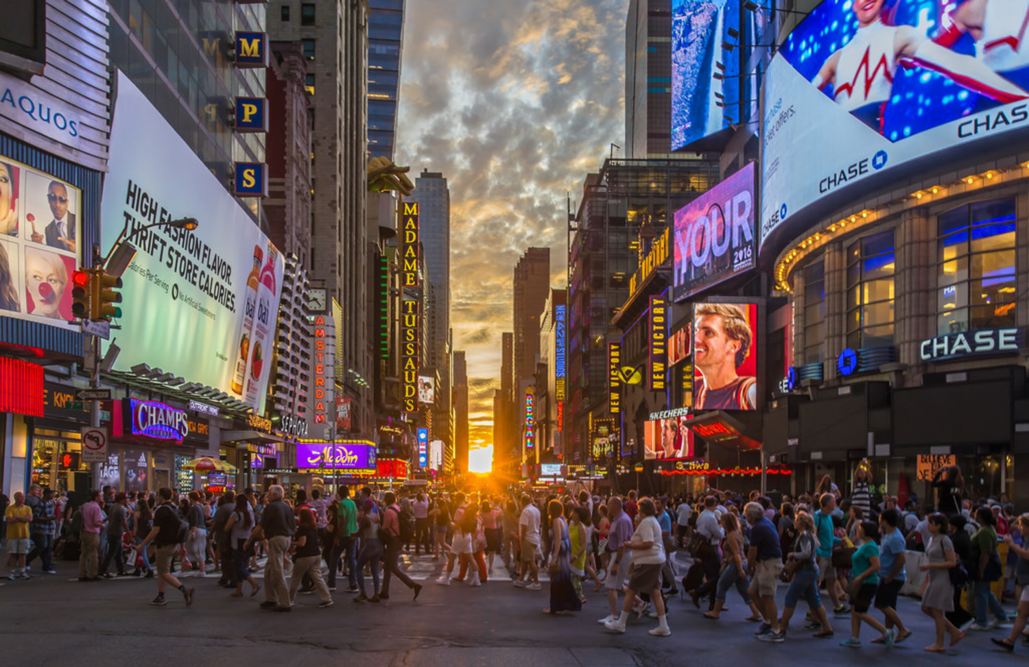 Full sun Manhattanhenge in Times Square 2