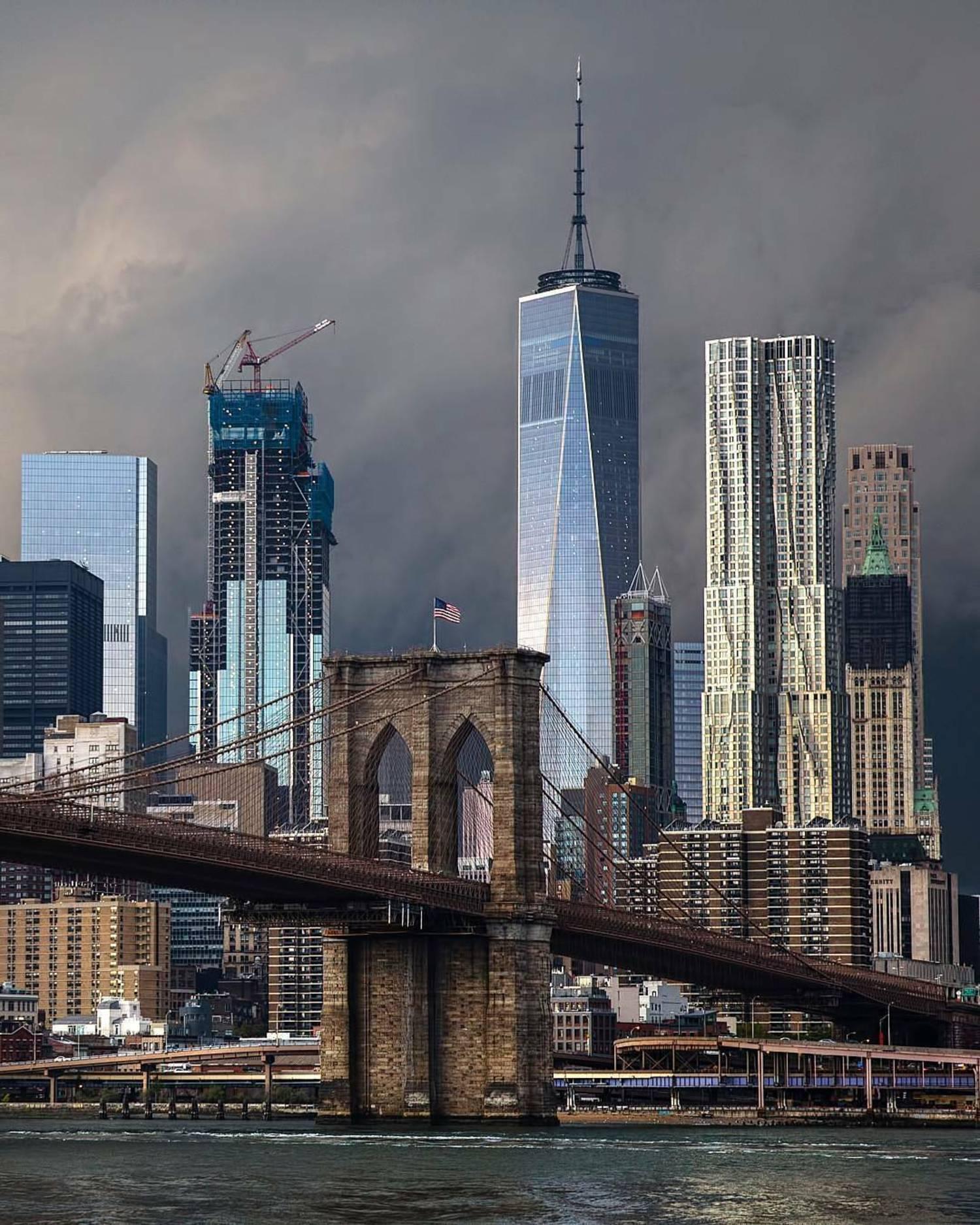 Brooklyn Bridge and Lower Manhattan Skyline, New York, New York
