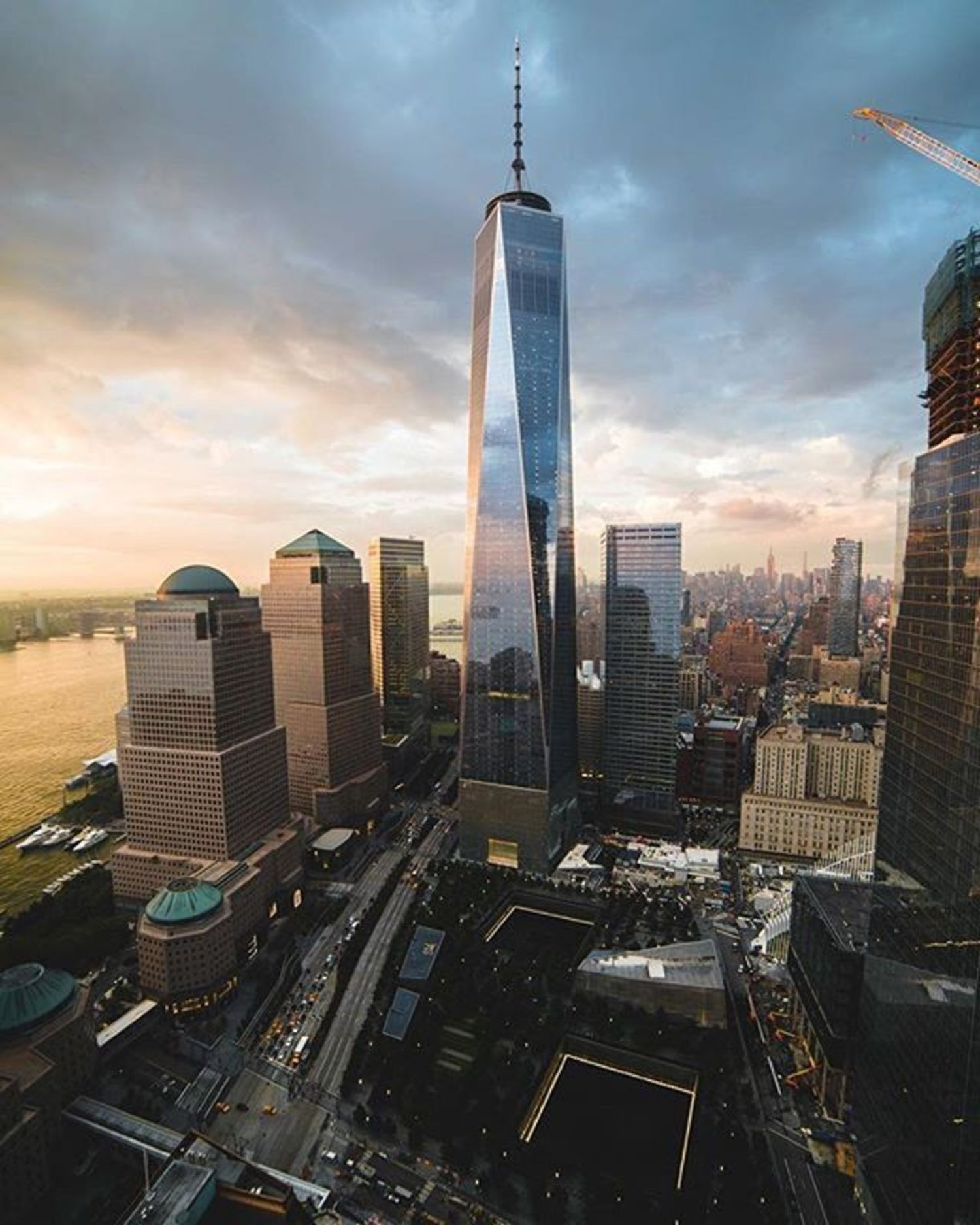 New York, New York. Photo via @flashing.lights #viewingnyc #newyorkcity #newyork #nyc